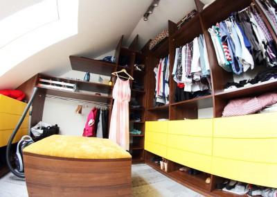 Garderoba w apartamencie w Bydgoszczy