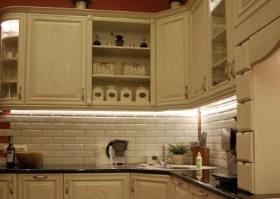 kuchnia-na-zamowienie-w-stylu-prowansalskim-od-mobiliani-005