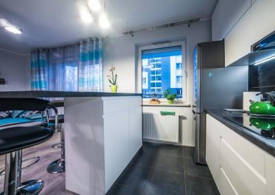 Zabudowa baru w kuchni od Mobiliani Design.