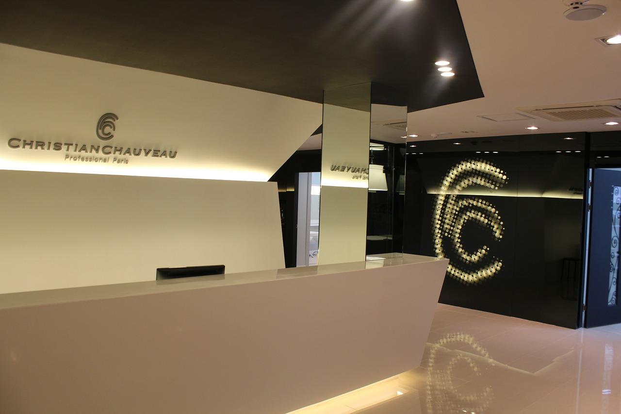 Meble na wymiar dla recepcji hotelu - Mobiliani Design.