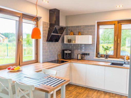 Jasna kuchnia dla domu w Niwach