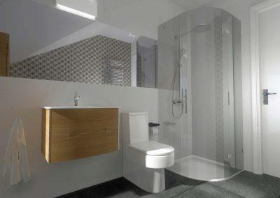 Wnętrze łazienki - lewa ściana.