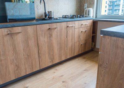 realizacja-wnetrz-projektu-mobiliani-design-kuchnia-w-drewnianym-designie-004